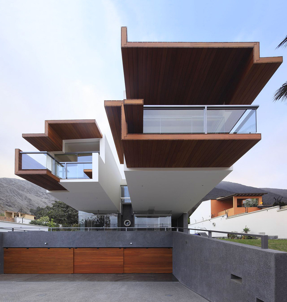 Современный особняк для семьи в Лиме