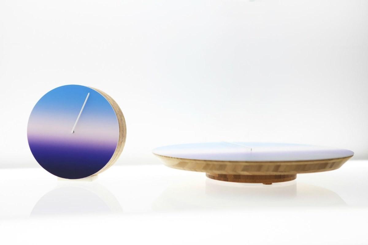 Минималистичный дизайн коллекции интерьерных часов
